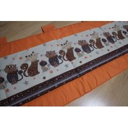 Kapsář - kočky malé na oranžovém plátně