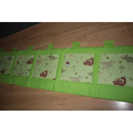 Kapsář - dinosauři na limetkově zeleném plátně